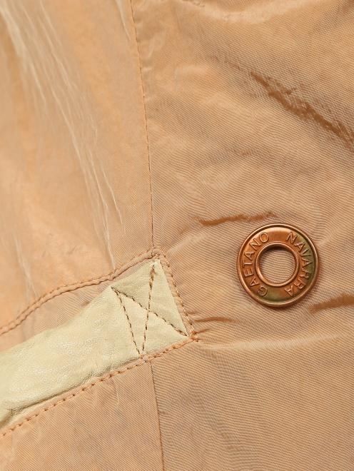Легкая куртка с карманами  - Деталь1