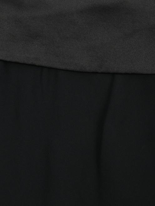 Брюки свободного кроя с атласным поясом - Деталь