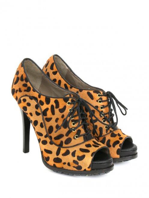 Туфли на шнуровке с анималистичным принтом  - Общий вид