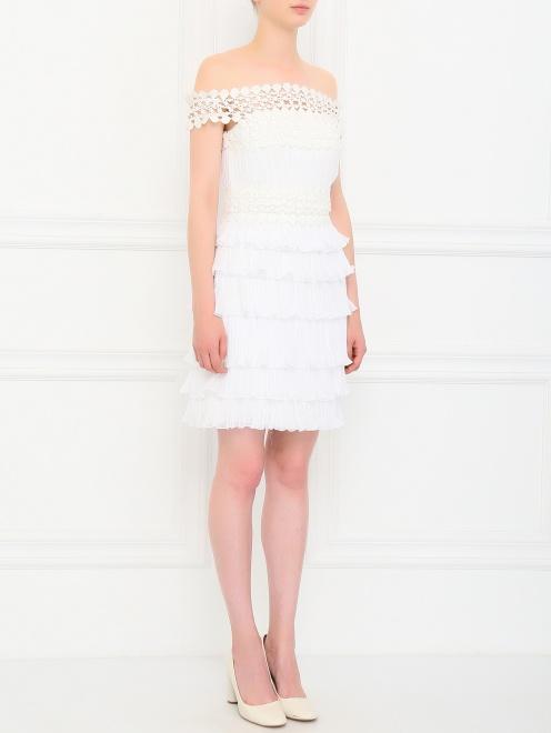 Платье из шелка с плиссировкой и кружевными вставками - Общий вид