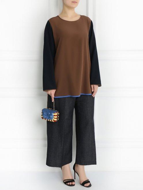 Клатч с геометрическим узором на ремне-цепочке - Общий вид