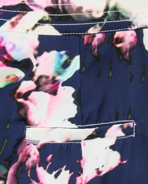 Брюки с цветочным узором и боковыми карманами - Деталь1