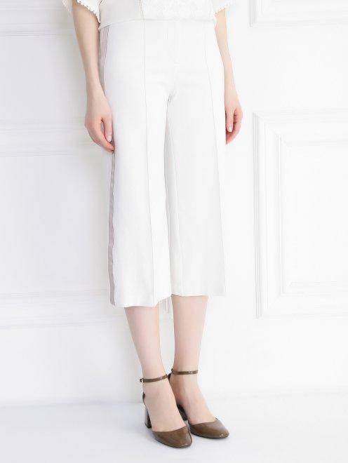 Укороченные брюки с контрастными лампасами - Модель Верх-Низ