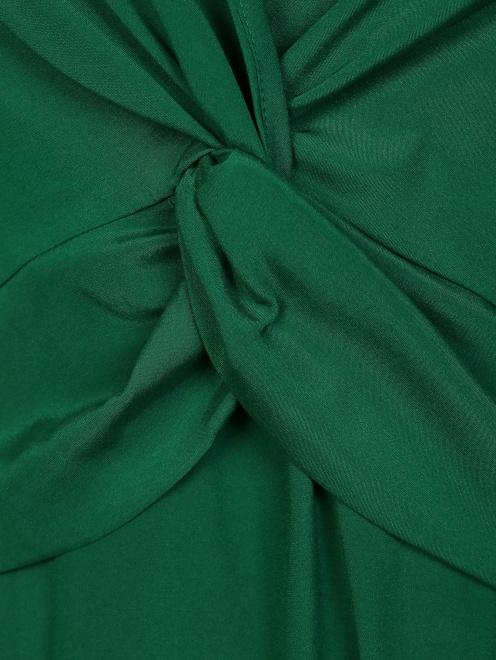 Платье шелковое с драпировкой на груди - Деталь