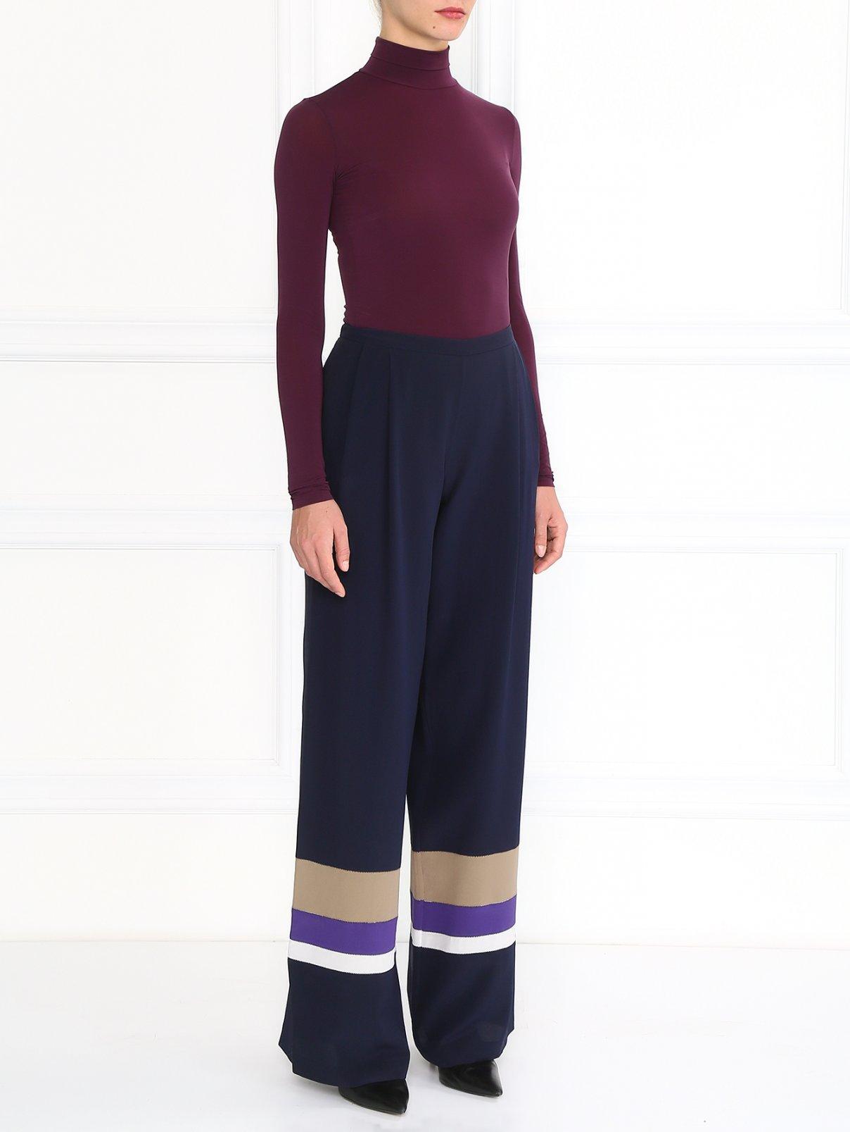 Шелковые брюки с контрастными вставками Alberta Ferretti  –  Модель Общий вид